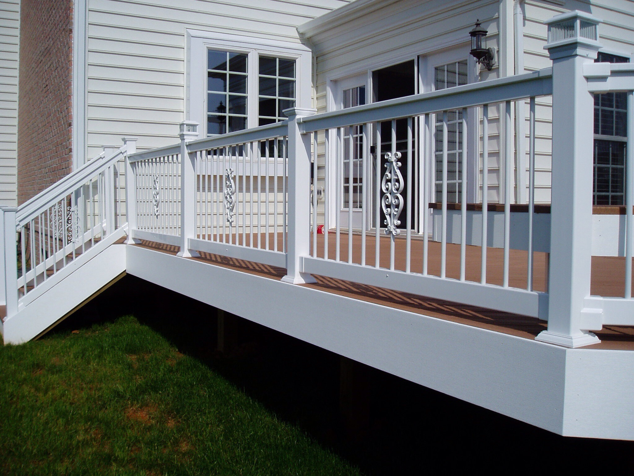 Vinyl Fence and Railing with Accent